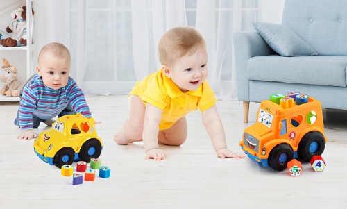 Zábavné autíčku s vkládačkou pro nejmenší děti