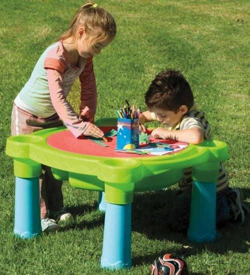 Dětský stolek na zahradu