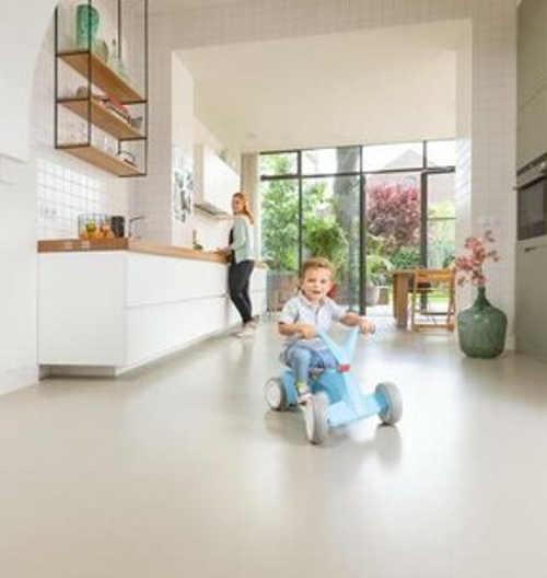 Tiché dětské odrážedlo vhodné do bytu