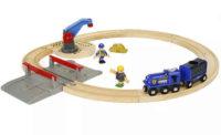 Dřevěná vláčkodráha s policejním vlakem