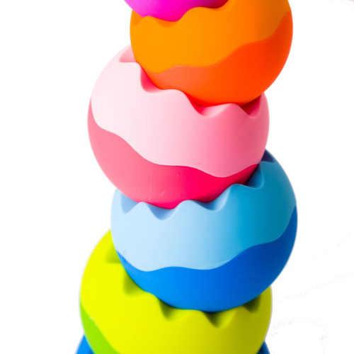 skládací věž v barevném provedení